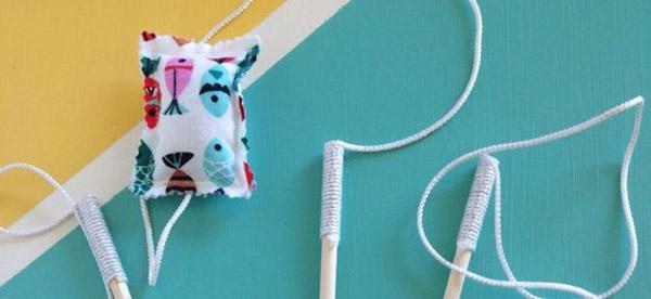 Верхнюю часть изготовленной игрушки нужно обмотать плотной тканью